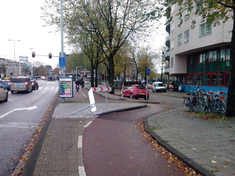 http://resources.martijnotto.nl/files/default/amsterdam_fietsertje_pesten.jpg